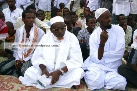 Hizbul Islam leader Sheikh Hassan Dahir Aweys attends prayers to mark Eid al-Fitr in southern Mogadishu